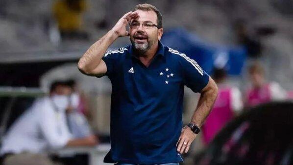 Botafogo acerta com Enderson Moreira