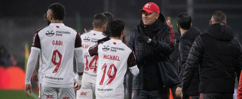 Libertadores: Fla de Renato toca menos, mas chuta melhor que o de Ceni