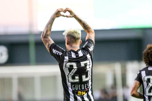 Róger Guedes pode chegar ao Corinthians.