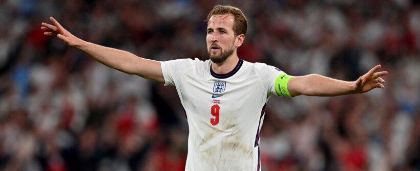 Kane marca e pode ser artilheiro do Mundial e da Euro consecutivamente