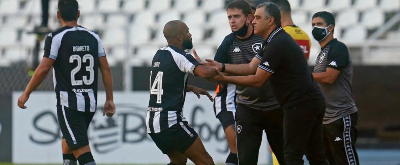 Em menos de 11ª rodadas completas, sete técnicos já foram demitidos do Brasileirão Série B