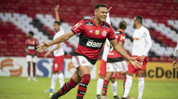 Muniz pode ser vendido pelo Flamengo.