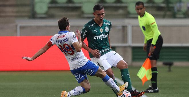 Renan se destacou pelo Palmeiras.