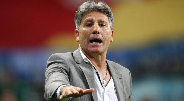Mercado da bola: clube confirma oferta por três jogadores do Flamengo