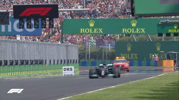 Lewis larga sozinho no GP da Hungria