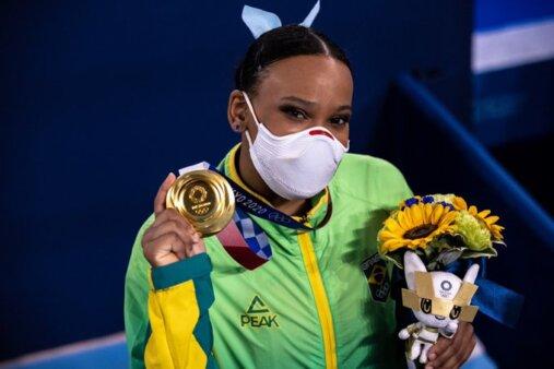 Rebeca Andrade ganha o ouro no salto da ginástica artística nas Olimpíadas de Tóquio 2020