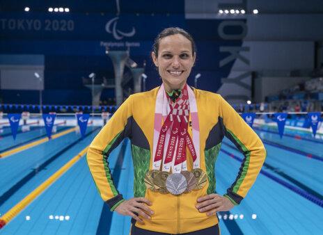 Carol Santiago conquistou cinco medalhas na natação das Paralimpíadas de Tóquio 2020