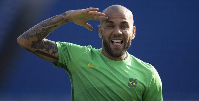Daniel Alves mercado da bola Barcelona