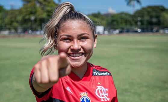 Nayra Pimentinha trocou o Vasco pelo Flamengo