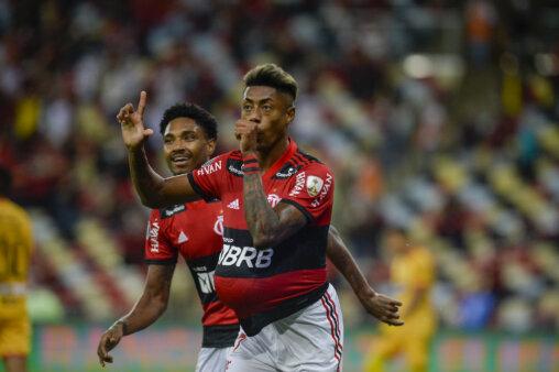 Bruno Henrique gols do Flamengo x Barcelona na Libertadores