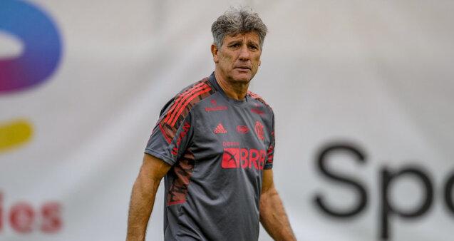 Flamengo encara o Palmeiras.
