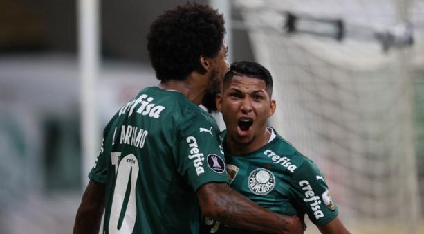 Luiz Adriano perdeu espaço no Palmeiras.
