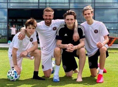 Seguindo os passos do pai, filho de David Beckham estreia como jogador profissional