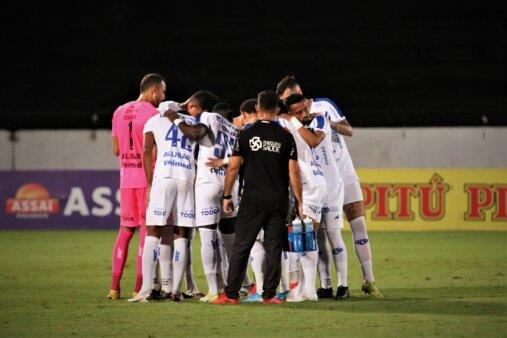 Time do Paysandu reunido em jogo da Série C