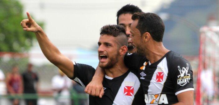 Guilherme Costa em ação pelo Vasco